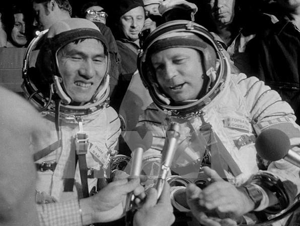Vuelo espacial hace 35 anos, muestra de amistad Vietnam- Rusia hinh anh 1