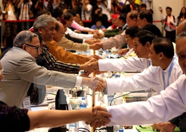 Gobierno birmano y grupos etnicos armados reanudan negociaciones hinh anh 1