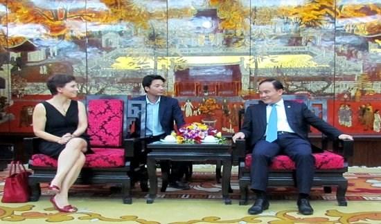 Impulsan Hanoi y region italiana de Lacio cooperacion comercial hinh anh 1