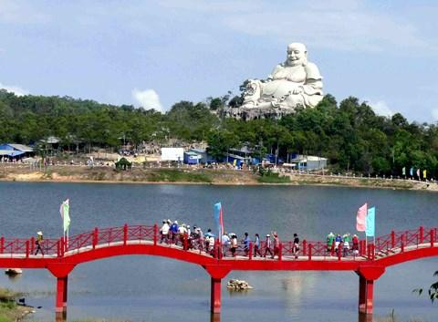 Turismo religioso en An Giang capta gran atencion hinh anh 2