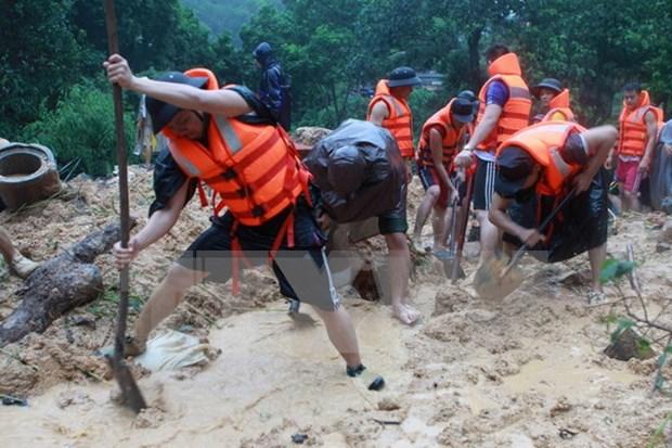 Aumentan muertos por inundaciones en provincia vietnamita hinh anh 1