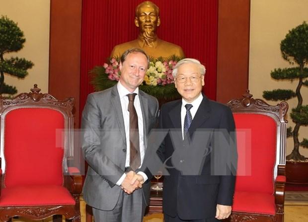 Lider partidista recibe a saliente embajador belga hinh anh 1