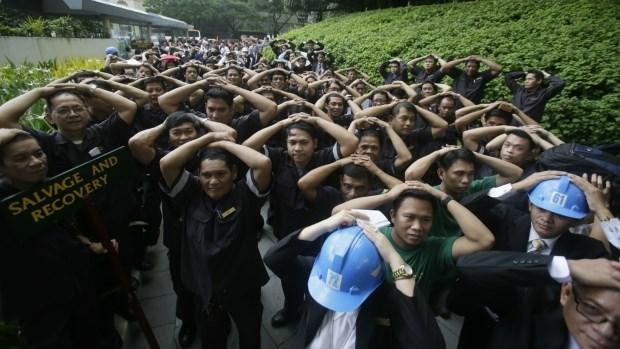 Miles de filipinos ejercitan defensas ante terremoto en Manila hinh anh 1