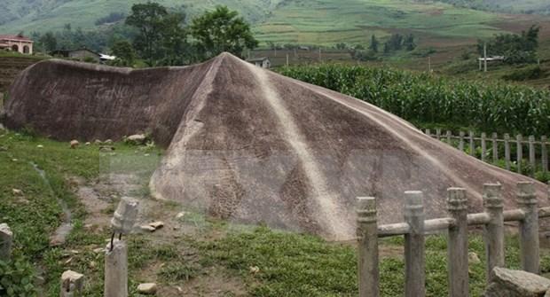 Hallan piedras talladas antiguas en Mu Cang Chai hinh anh 1