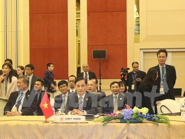 Inauguran reuniones de altos funcionarios de ASEAN y socios hinh anh 1