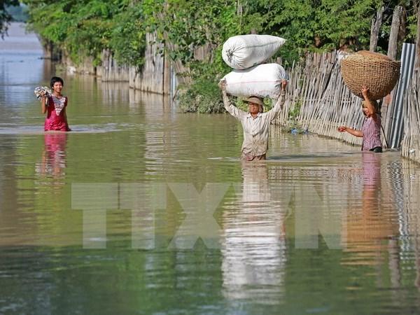 Inundaciones y erupcion del volcan causan secuelas en Sudeste de Asia hinh anh 1
