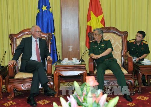 Vietnam y Union Europea impulsan cooperacion en defensa hinh anh 1