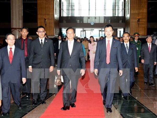 Premier vietnamita inicia visita a Malasia hinh anh 1