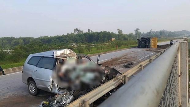 Mueren tres sudcoreanos en accidente vial en Vietnam hinh anh 1