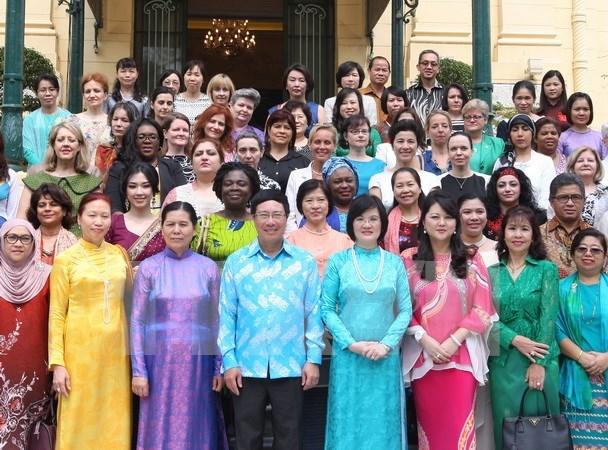 Debuta Circulo de Mujeres de la ASEAN en Hanoi hinh anh 1
