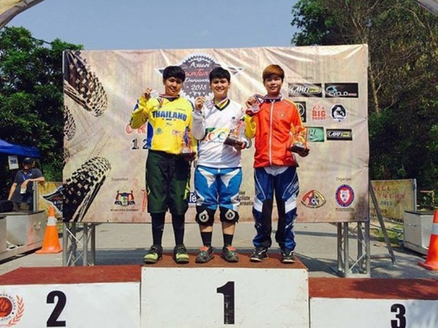 Ciclista vietnamita gana bronce en torneo asiatico de montana hinh anh 1