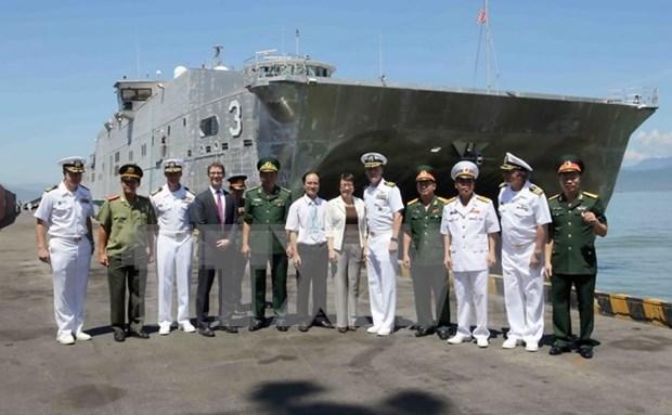 Buques militares estadounidenses arriban a Da Nang hinh anh 1