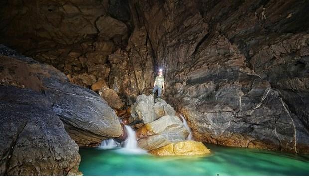 Inician viaje de exploracion a cueva de Hada hinh anh 1