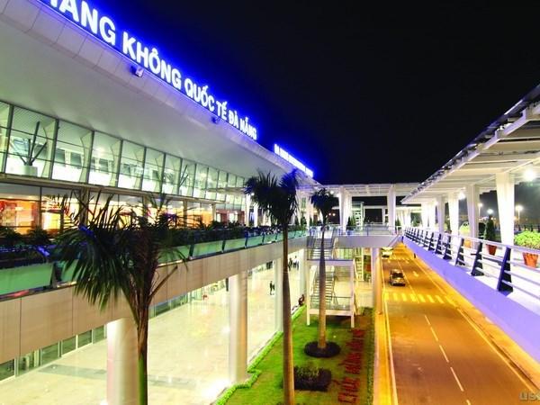 Ajustan capacidad anual de aeropuerto internacional de Da Nang hinh anh 1