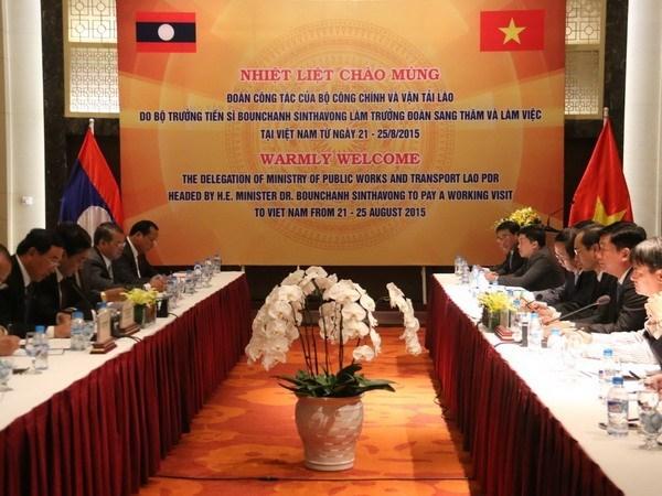 Vietnam y Laos estrechan cooperacion en el transporte hinh anh 1
