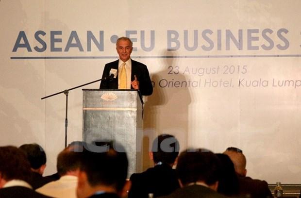 Celebran Cumbre de Negocios ASEAN- UE en Malasia hinh anh 1