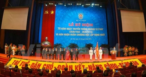 Conmemoran aniversario 70 del sector juridico hinh anh 1