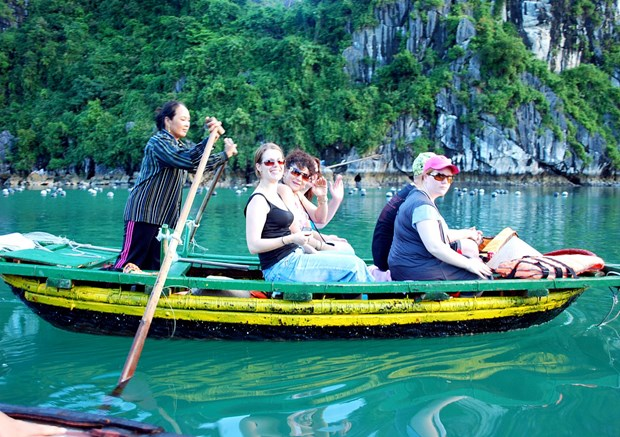Crece 12 por ciento arribo de turistas a Vietnam en agosto hinh anh 1