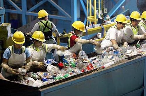 Supervisan proyecto de tratamiento de residuos solidos en Quang Ngai hinh anh 1