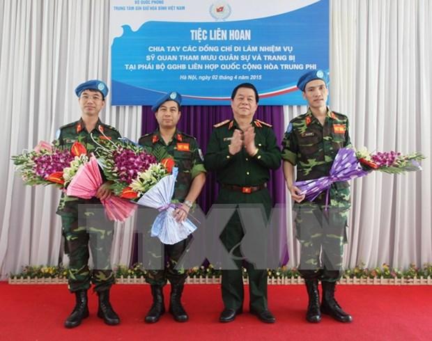 Imparten idioma ingles a fuerzas vietnamitas en misiones de paz hinh anh 1