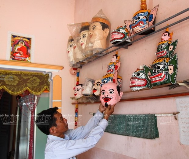 Empenado khmer en conservar valor de misteriosas mascaras hinh anh 5