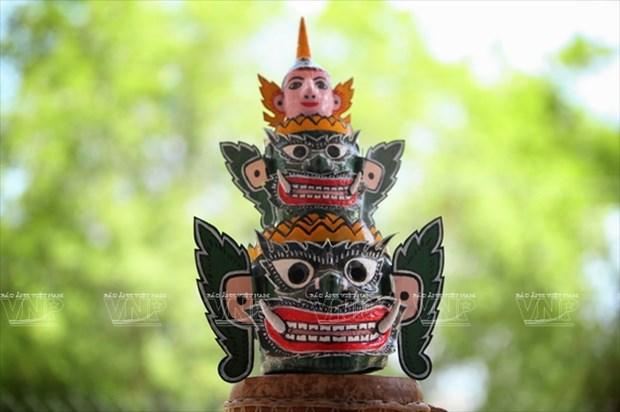 Empenado khmer en conservar valor de misteriosas mascaras hinh anh 15