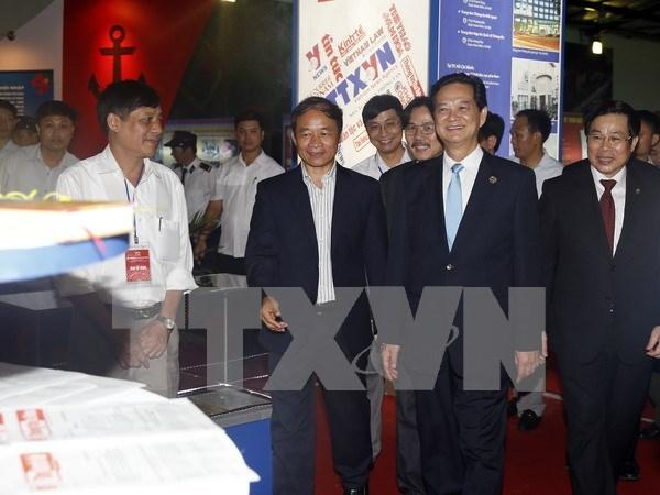 Exposicion resalta logros socioeconomicos de 70 anos de Vietnam hinh anh 1