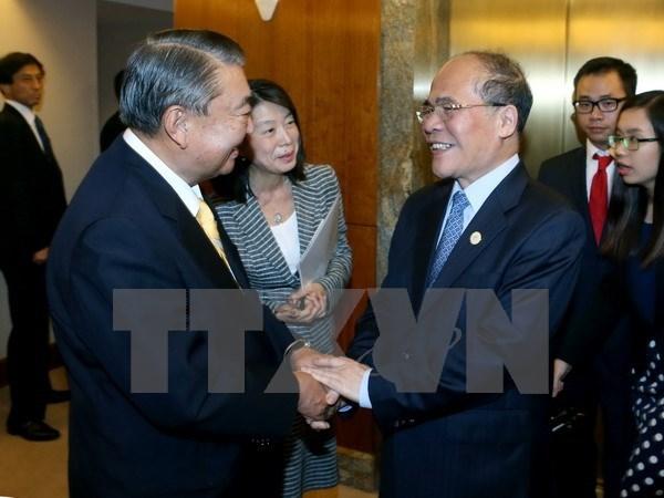 Se reunen dirigentes parlamentarios vietnamita y japones hinh anh 1