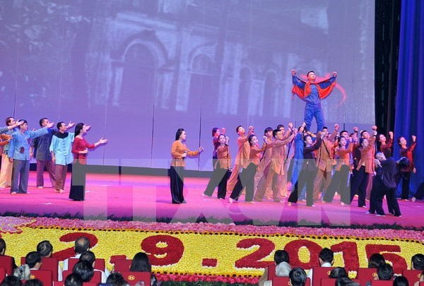 """""""Vietnam – la Era de Ho Chi Minh"""": Cancion heroica del pueblo hinh anh 1"""