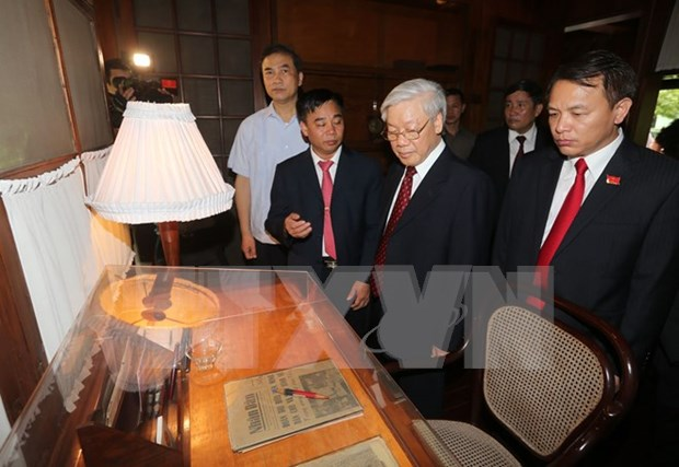 Rinden homenaje al presidente Ho Chi Minh por Dia Nacional hinh anh 2