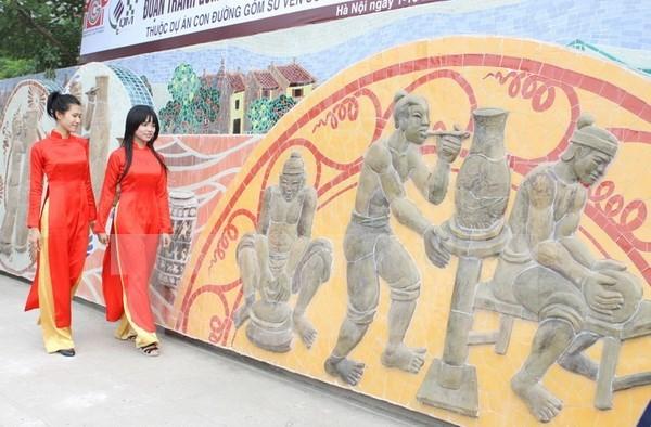 Buscan medidas para aplicar y desarrollar arte comunitario en Vietnam hinh anh 1