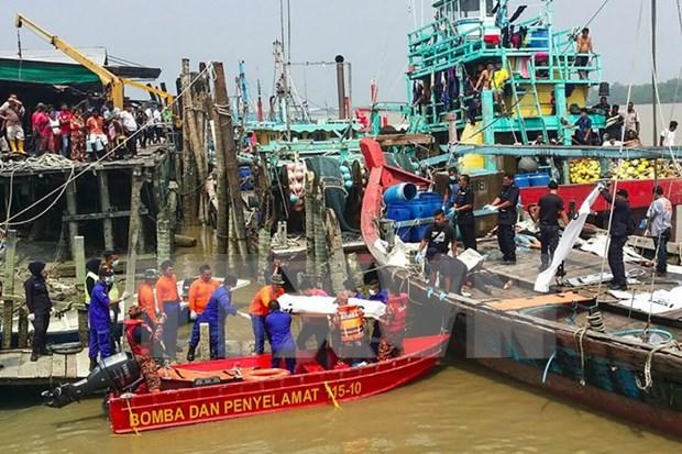 Impulsa Malasia busqueda de desaparecidos en barco hundido hinh anh 1