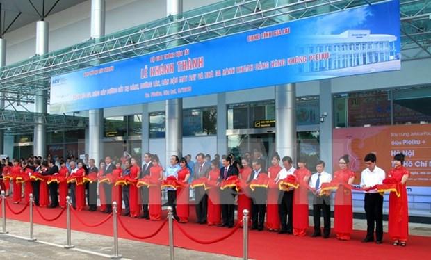 Amplian aeropuerto de Pleiku para mejorar servicios hinh anh 1