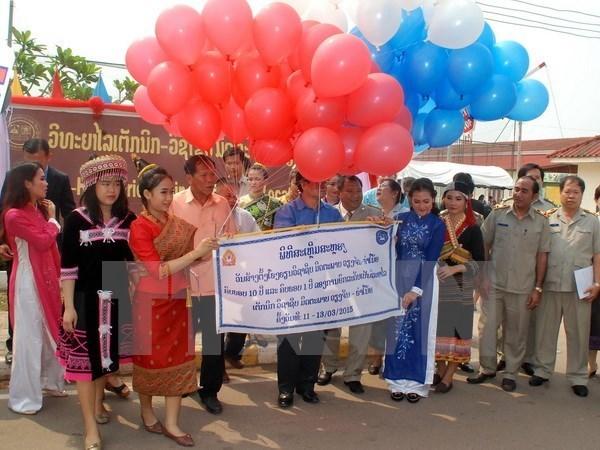 Dirigente laosiano destaca eficiencia de cooperacion Hanoi- Vientiane hinh anh 1