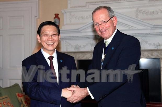 Hanoi y Londres fomentan cooperacion financiera hinh anh 1