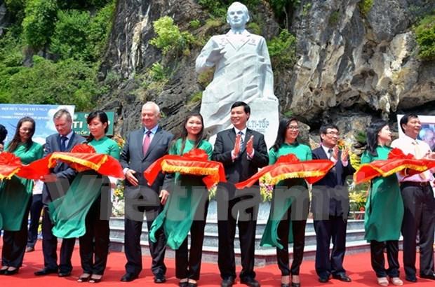 Inauguran monumento de Guerman Titov, gran amigo de Vietnam hinh anh 1