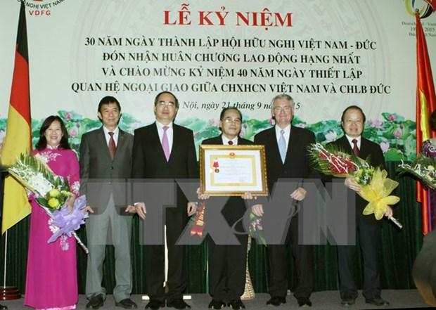 Honrada asociacion Vietnam-Alemania por aportes a nexos bilaterales hinh anh 1