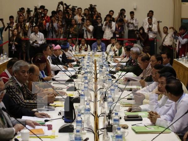 Presidente birmano promete mantener paz con grupos armados hinh anh 1