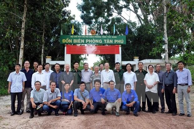 VNA rinde homenaje a sus martires en Tay Ninh hinh anh 1