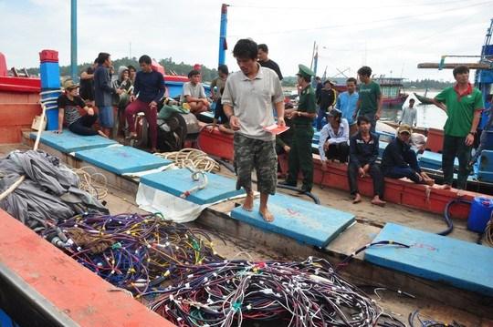 Vietnam condena asalto de barcos chinos contra pescadores nacionales hinh anh 1