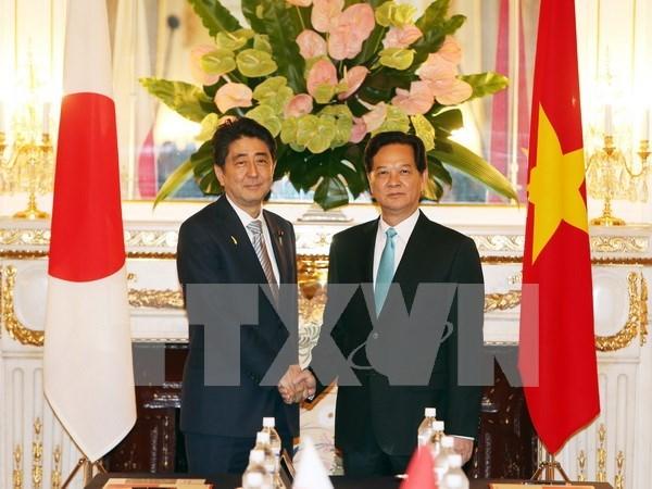 Buscan Vietnam y Japon fortalecer relaciones bilaterales hinh anh 1