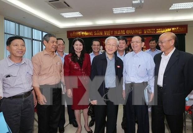 Lider partidista mantiene contacto con electores de Hanoi hinh anh 1