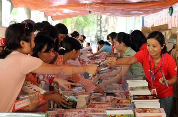 Presentan al publico libros rusos traducidos en vietnamita hinh anh 1