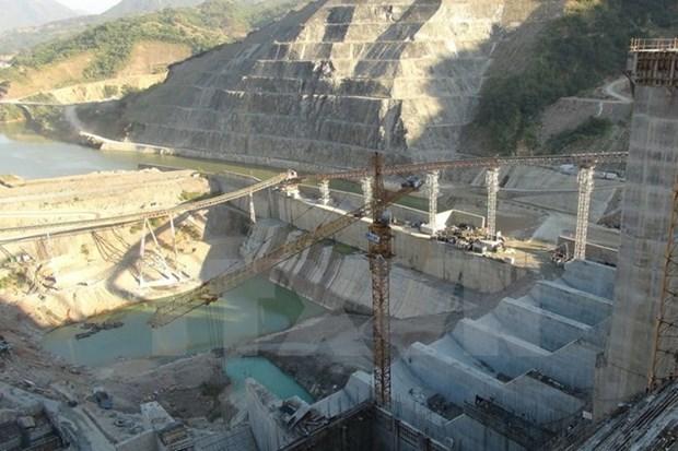 Instalan rotor de primer generador de central hidroelectrica Lai Chau hinh anh 1