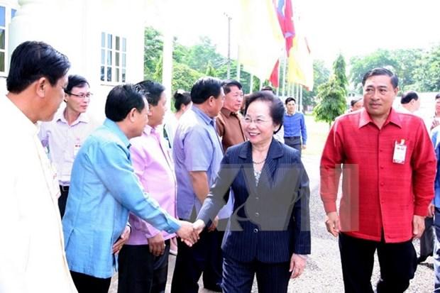 Vicepresidenta vietnamita visita provincia laosiana de Vientiane hinh anh 1