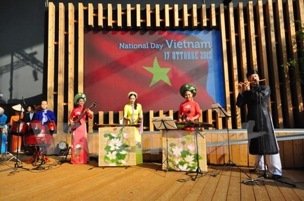 Dia nacional de Vietnam en Milan: canal divulgador de imagen nacional hinh anh 1