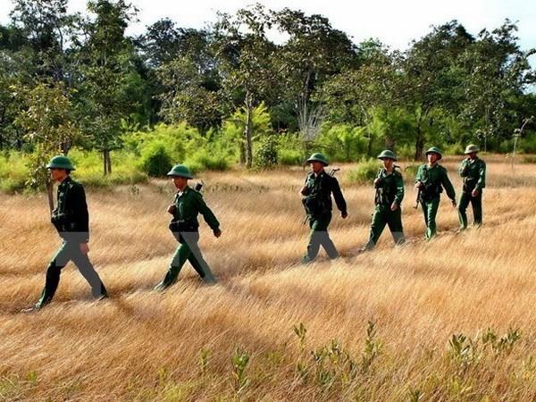 Intercambian Vietnam y Cambodia politicas en defensa hinh anh 1