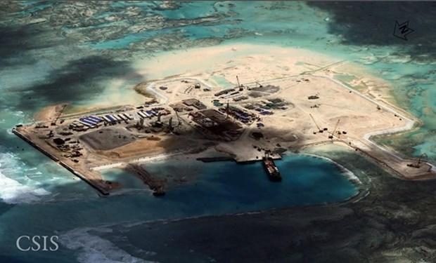 Condena Filipinas edificacion de faros chinos en Mar Oriental hinh anh 1