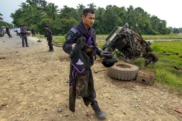 Dos policias mueren en atentado con bomba en Tailandia hinh anh 1