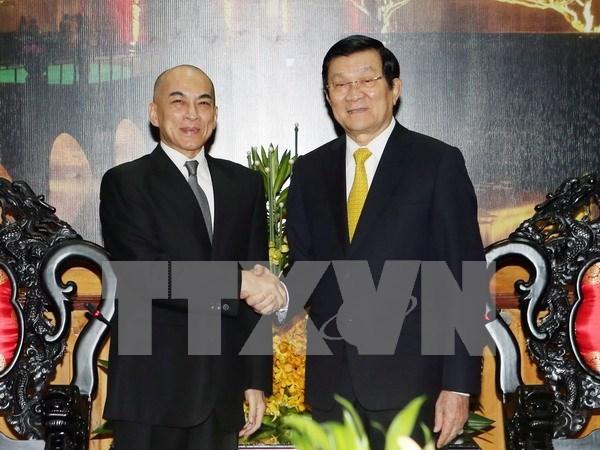 Presidente vietnamita se entrevista con rey cambodiano hinh anh 1